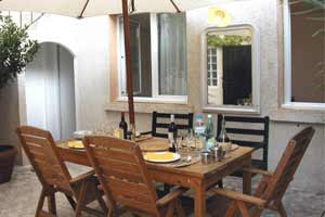 chambre-hote-MEV|table-terrasse
